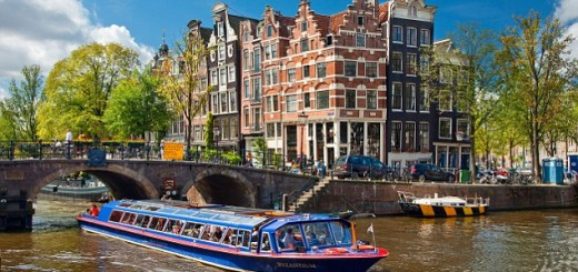 C6R14N Europe, Netherlands, Amsterdam, Tour Boat on Brouwersgracht Canal