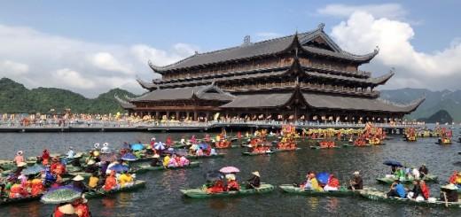 Lễ Phật chùa Tam Chúc | Tour du lịch Hà Nội – Chùa Tam Chúc – Chùa Bái Đính 1 ngày